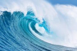 Large Powerful Ocean Wave