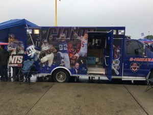 FanDuel-sportsbook-Giants-tailgaters