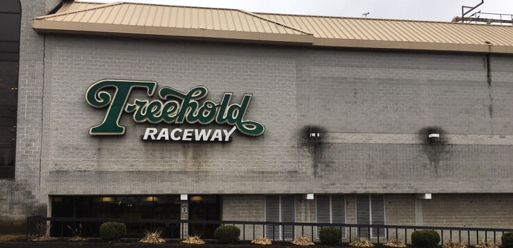 does freehold raceway have sports betting